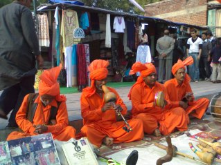 Snake_charmers_in_Dilli_Haat